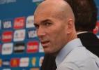 Zidane apoia Benzema e oferece conselho em meio a polêmica: tenha cuidado