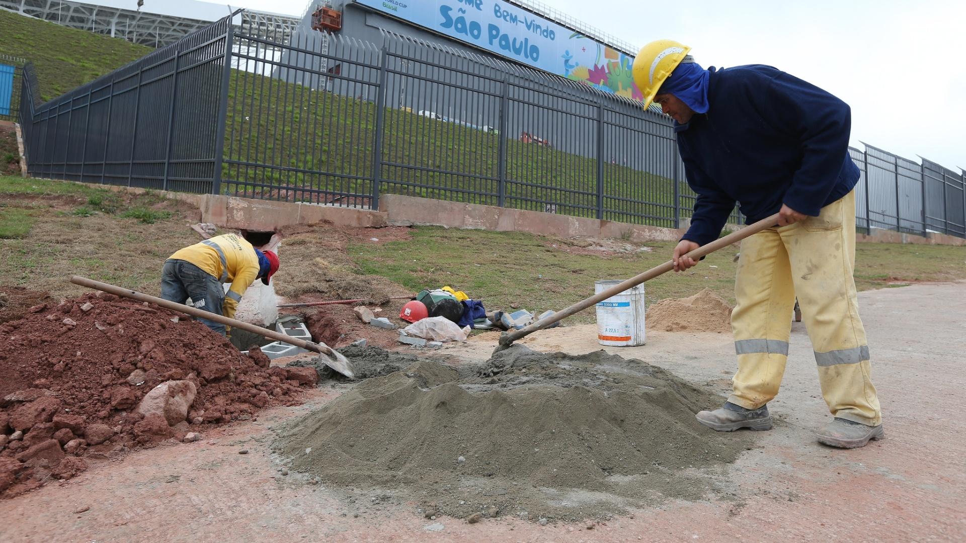 A dois dias da abertura da Copa, Itaquerão ainda tem obras em seu entorno