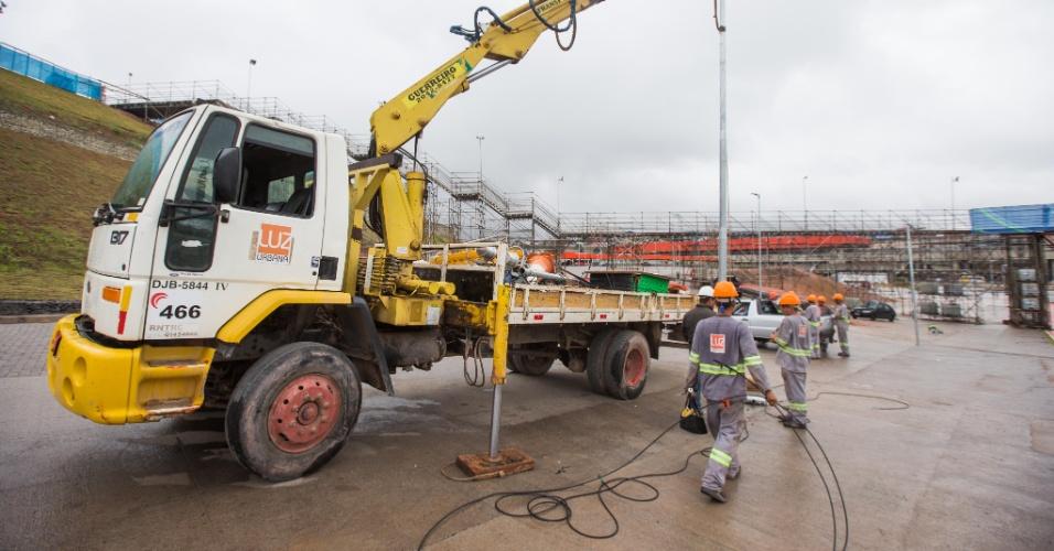 Operários ainda trabalham em obras no entorno do Itaquerão