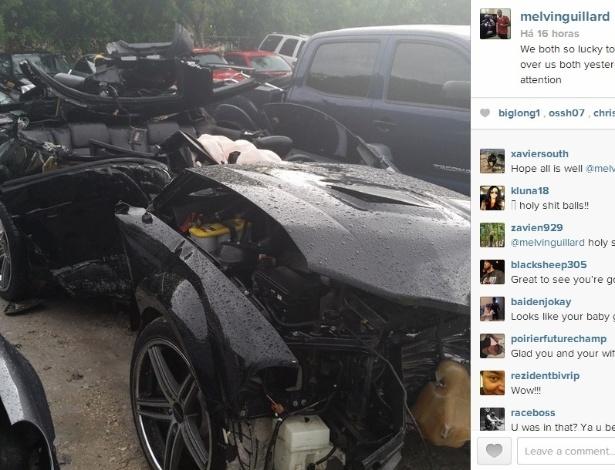 12.06.14 - O lutador Melvin Guillard posta foto do estado do carro após acidente