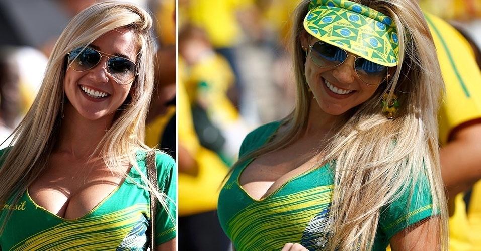 12.jun.2014 - Bela torcedora comparece de verde e amarelo no Itaquerão para dar apoio ao Brasil na estreia contra a Croácia