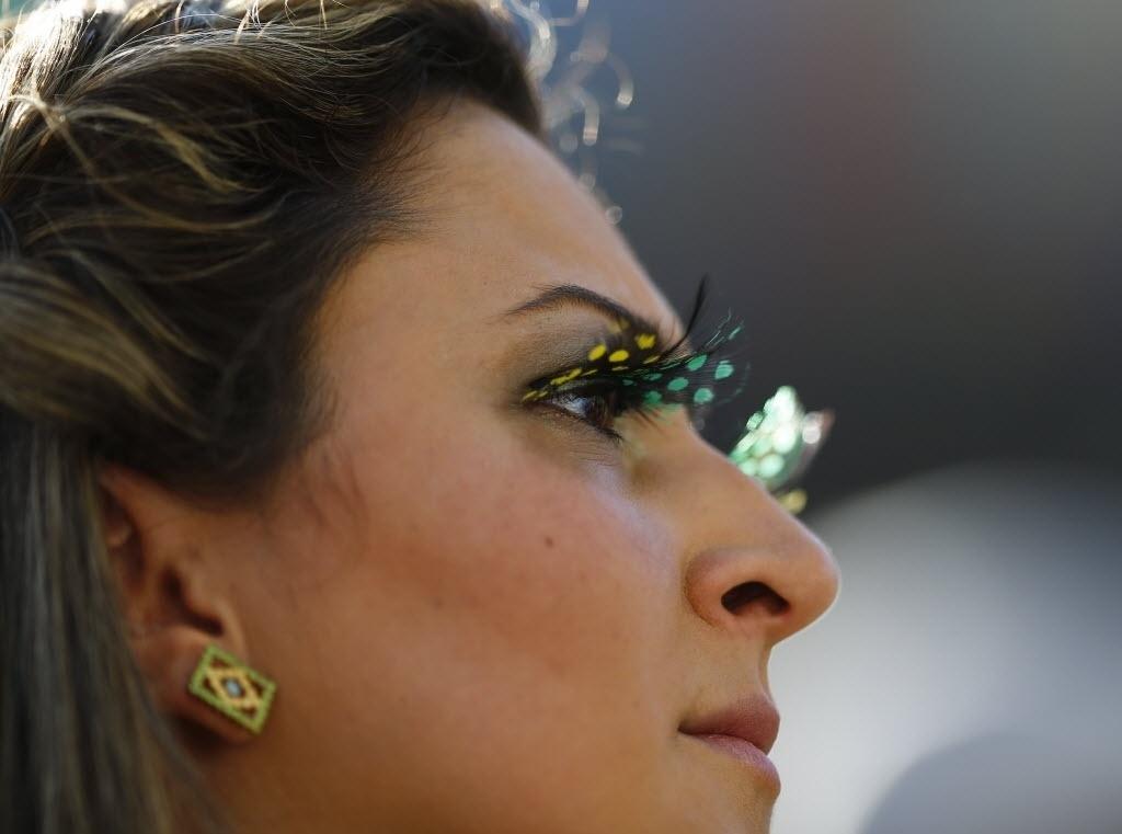 12.jun.2014 - Brasileira preparou maquiagem especial para a estreia do Brasil no Itaquerão
