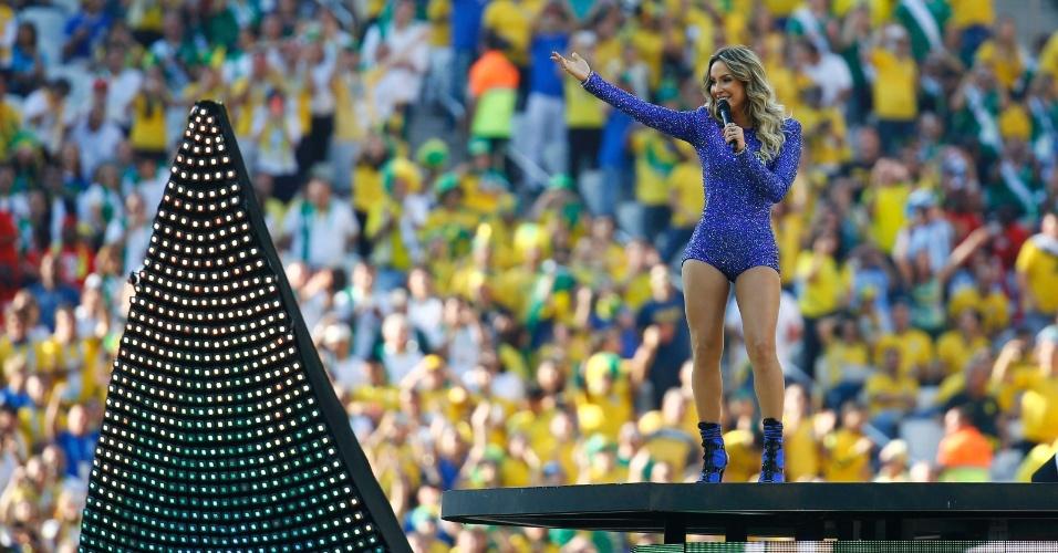 12.jun.2014 - Claudia Leitte canta na cerimônia de abertura da Copa do Mundo