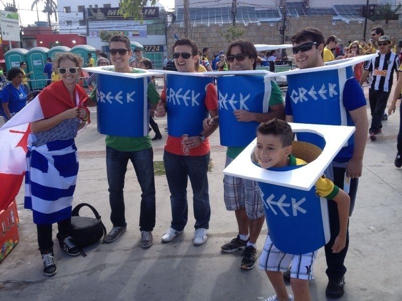 [Imagem: torcedores-gregos-mostram-irreverencia-e...00x600.jpg]