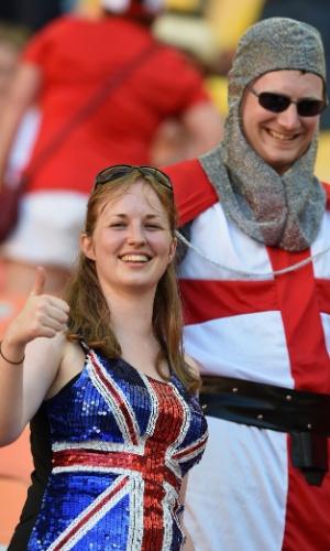 14.jun.2014 - Torcedora dá todo seu apoio à Inglaterra - mas acaba frustrada com a derrota para a Itália