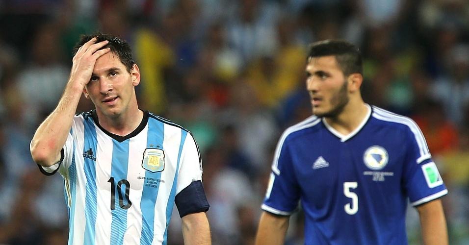 Messi reage após jogada na vitória da Argentina sobre a Bósnia por 2 a 1