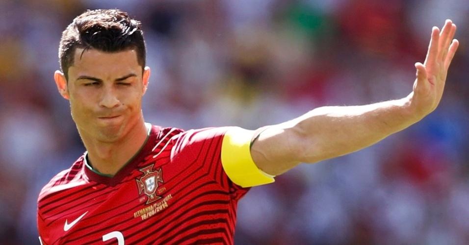 Cristiano Ronaldo gesticula durante confronto entre Portugal e Alemanha na Copa do Mundo
