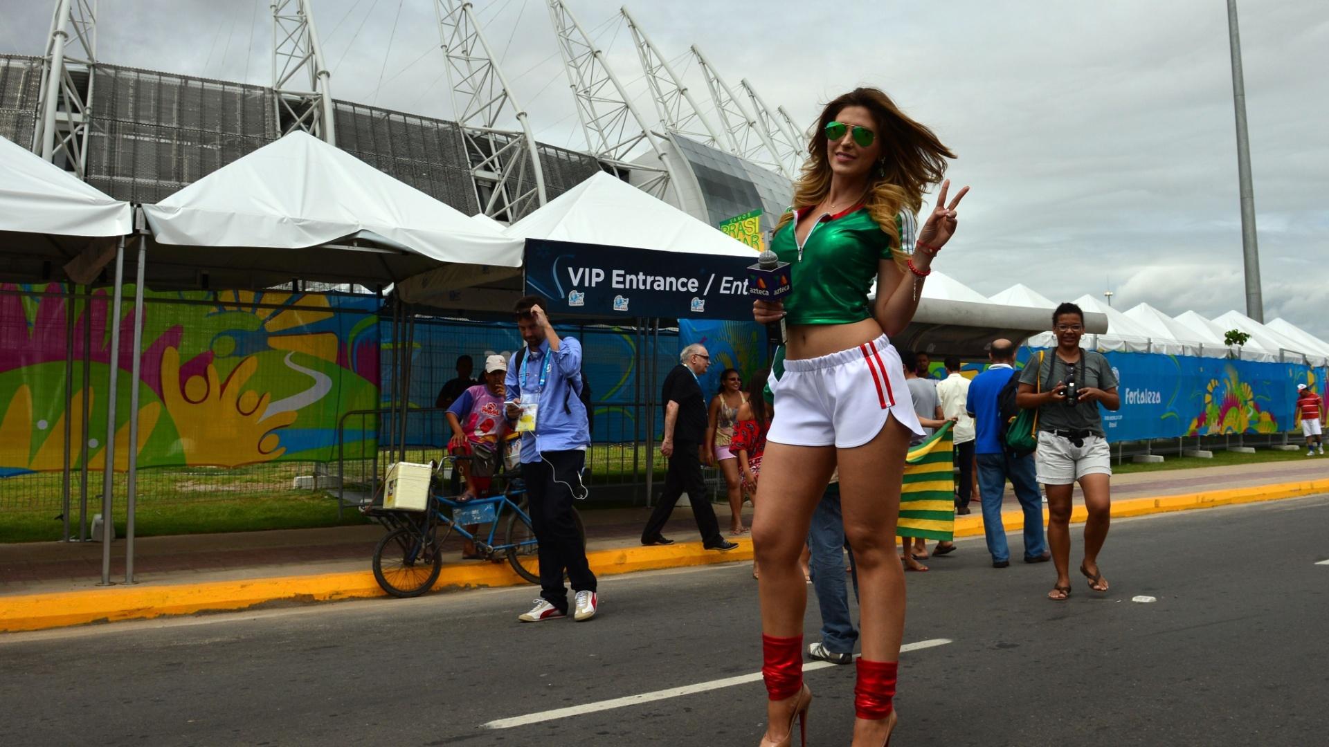 17.jun.2014 - Jornalista da TV mexicana promete garantir picos de audiência na transmissão do jogo contra o Brasil