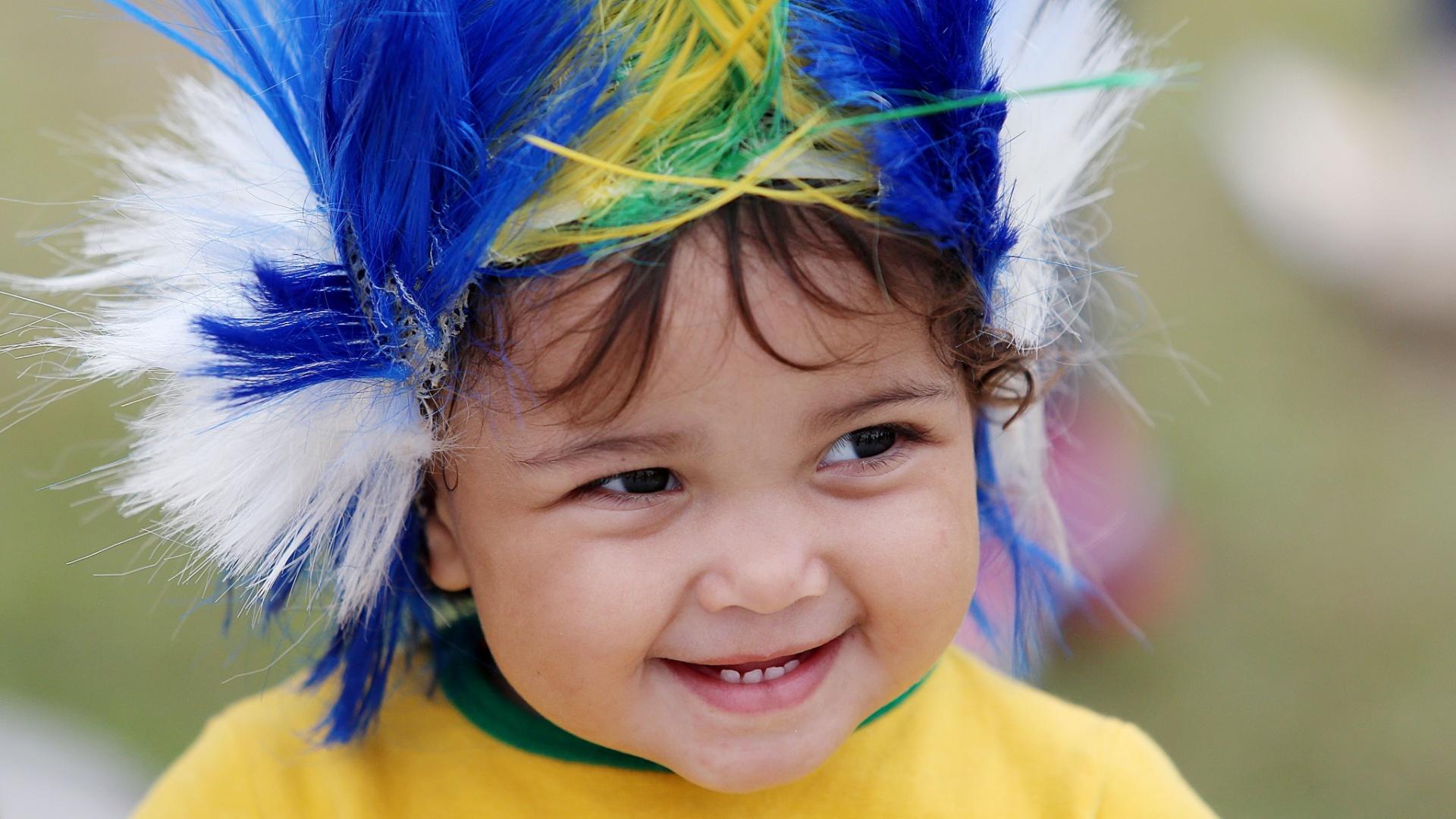 Criança vai a caráter para o Castelão, torcer para o Brasil contra o México