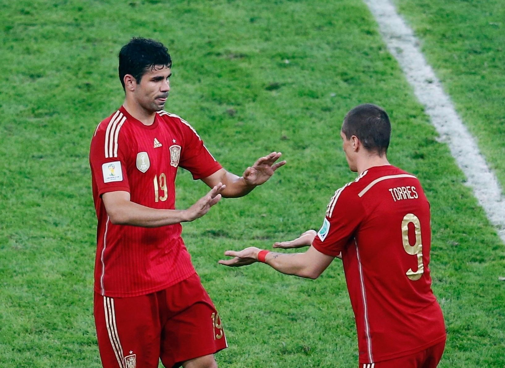 Bastante vaiado na hora da substituição, Diego Costa dá lugar ao espanhol Fernando Torres no Maracanã