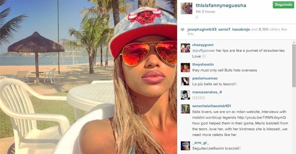 Fanny Neguesha aproveita o sol do Rio de Janeiro