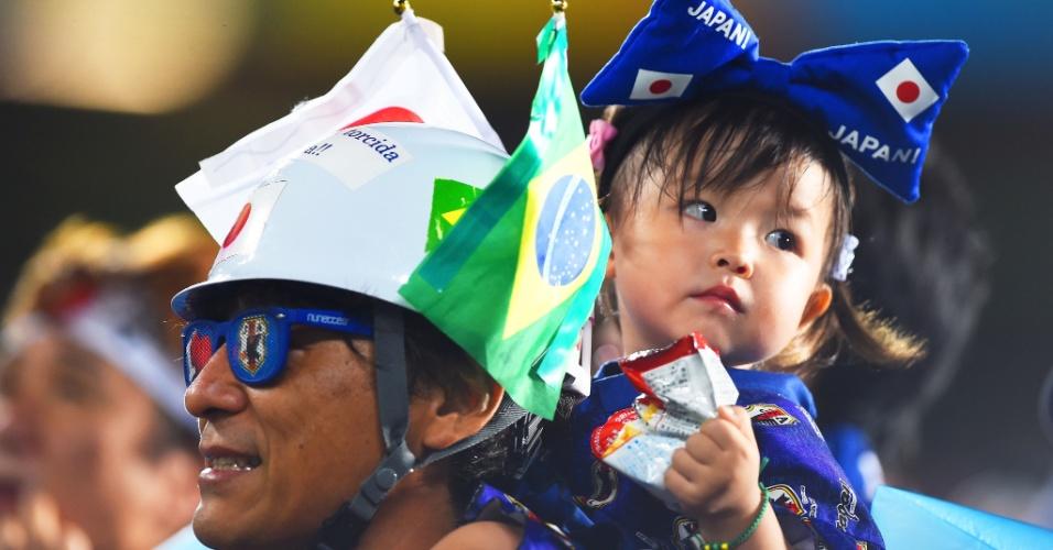 Família marca presença na Arena das Dunas para acompanhar o decisivo jogo entre Japão e Grécia