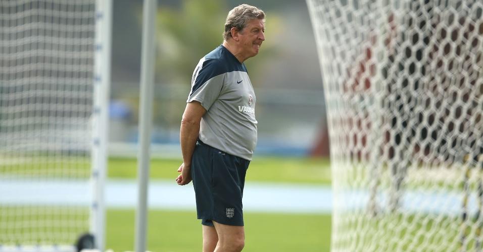 21.jun.2014 - Roy Hodgson, técnico da Inglaterra, não quis saber de dar folga para os jogadores após eliminação na Copa do Mundo