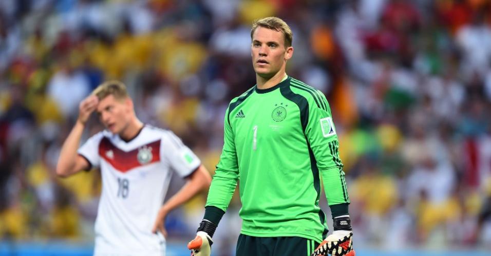 21.jun.2014 - Goleiro Manuel Neuer, da Alemanha, lamenta após Gana marcar no empate por 2 a 2 no Castelão