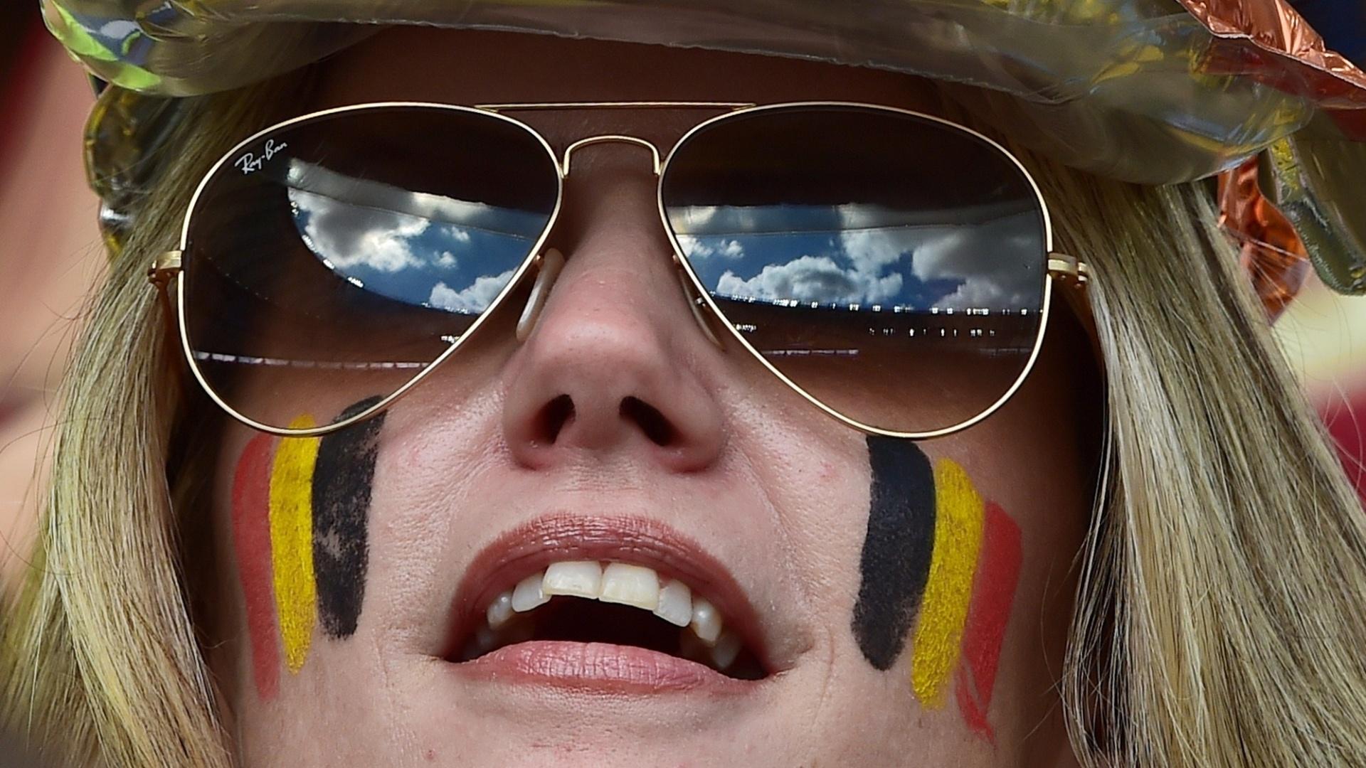 A torcida é para a Bélgica, mas a mensagem escrita não poderia ser mais brasileira