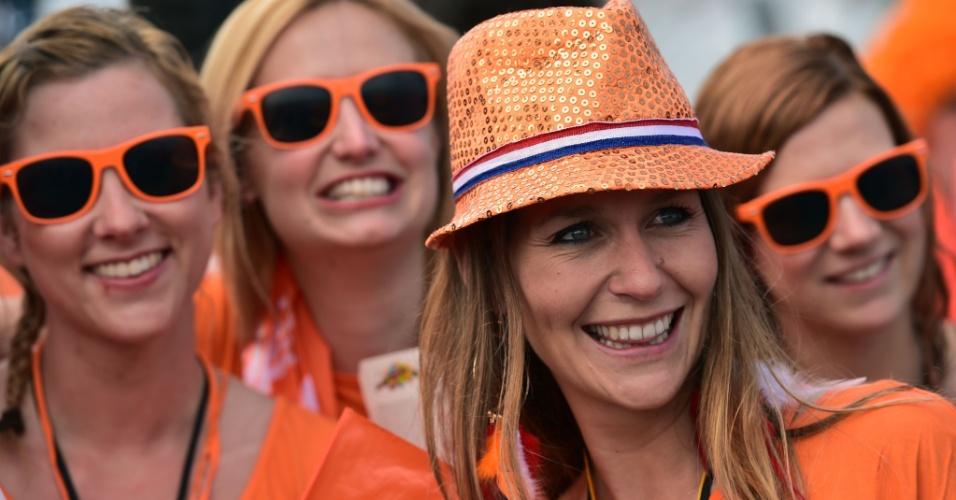 Holandesas chegam animadas para a partida contra o Chile no Itaquerão