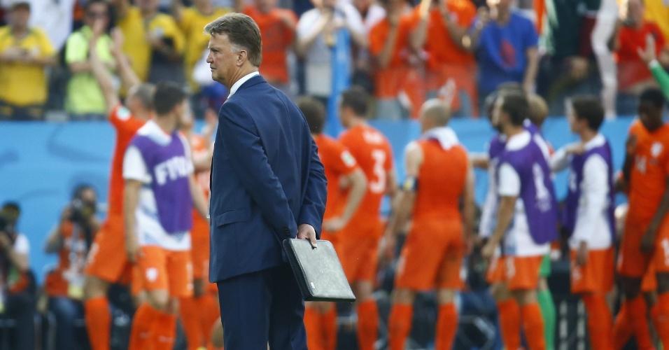 Louis van Gaal, técnico da Holanda, durante jogo contra o Chile