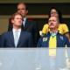 Ao lado do pr�ncipe, ministro faz marketing de emboscada no jogo do Brasil