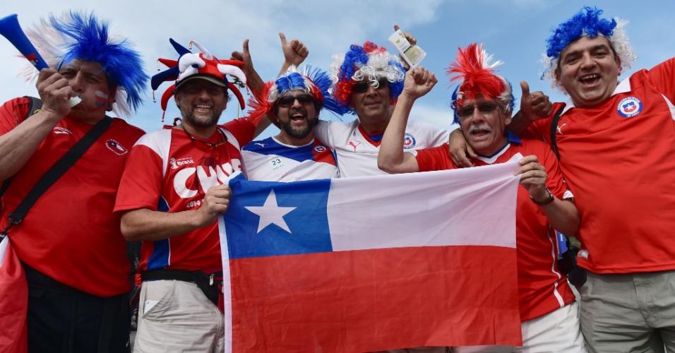 Torcedores chilenos vão chegando ao Itaquerão e mostram confiança