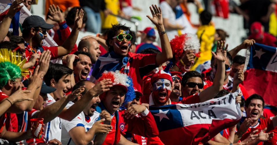 Torcedores do Chile já fazem festa nas arquibancadas do Itaquerão antes de jogo contra Holanda