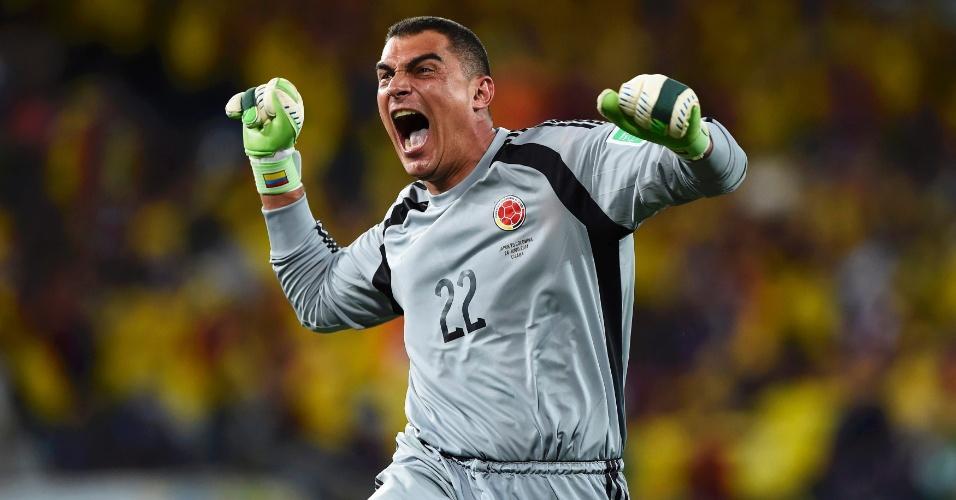 24.jun.2014 - Mondragon comemora após a Colômbia marcar o quarto gol na vitória por 4 a 1 sobre o Japão na Arena Pantanal