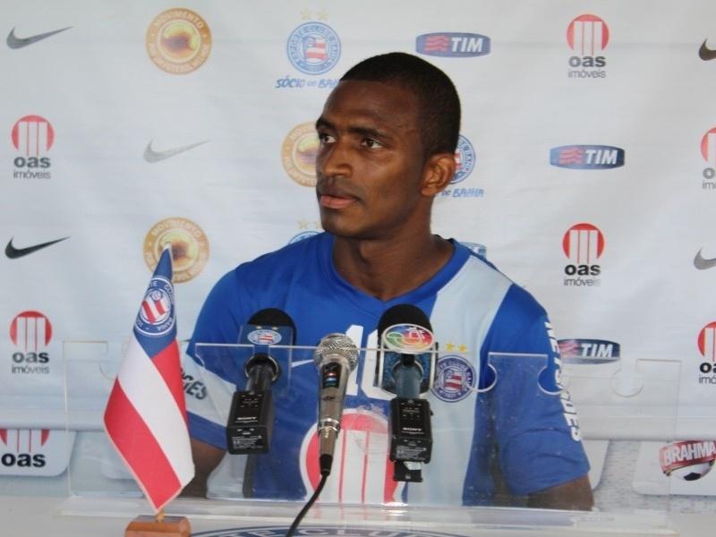 Adaílton concede primeira entrevista coletiva como jogador do Bahia