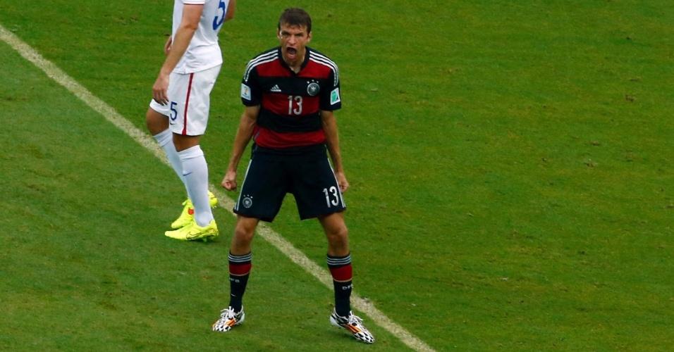26.jun.2014 - Thomas Müller vibra após marcar o primeiro da Alemanha contra os EUA e seu quarto gol na Copa