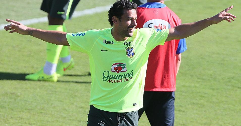 27.jun.2014 - Fred comemora durante 'rachão' da seleção brasileira em Belo Horizonte