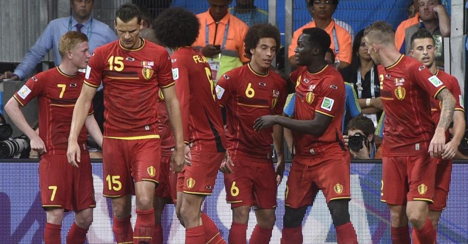 01.jul.2014 - Jogadores da Bélgica comemoram o gol da equipe, marcado por Lukaku, contra os Estados Unidos
