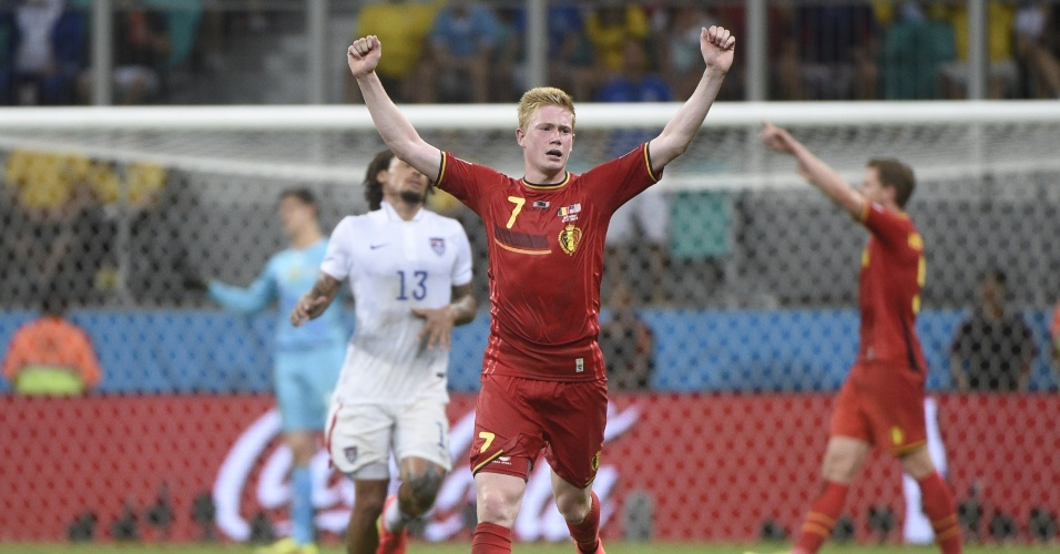 01.jul.2014 - Kevin De Bruyne comemora o apito final do árbitro na vitória da Bélgica sobre os Estados Unidos