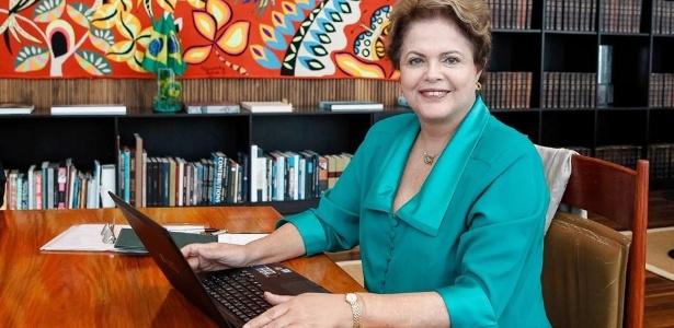 07.jul.2014 - Presidente Dilma Rousseff participa de bate-papo com internautas por meio de rede social