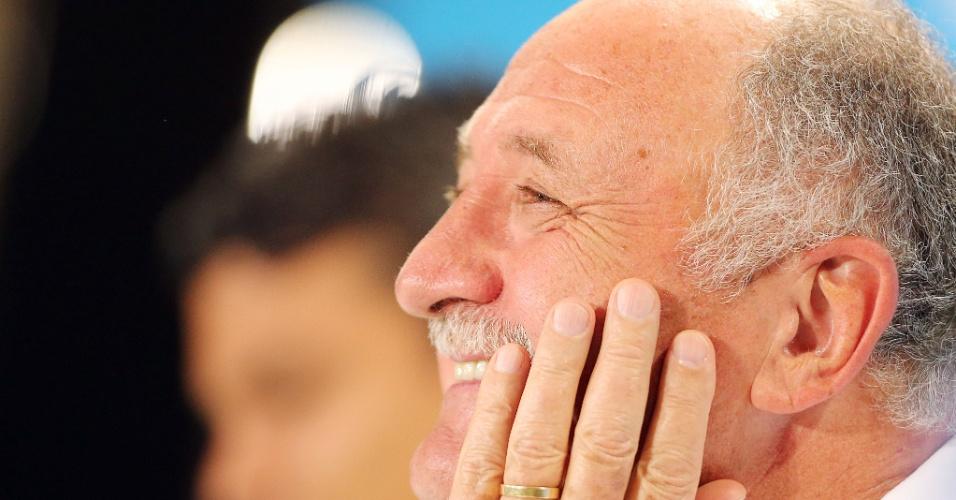 Felipão sorri durante entrevista coletiva no Mineirão antes da semifinal contra a Alemanha
