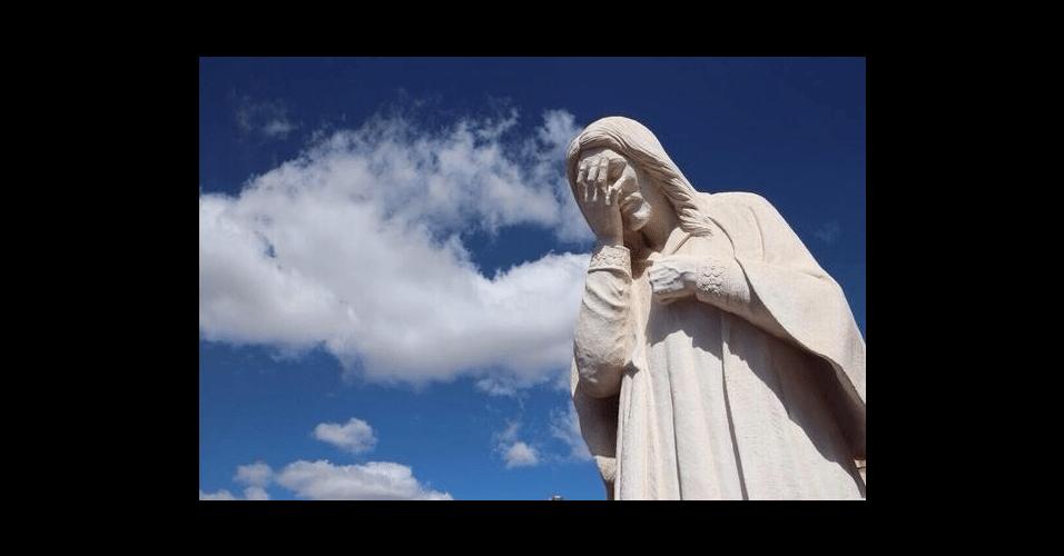 Até o Cristo Redentor ficou envergonhado do Brasil