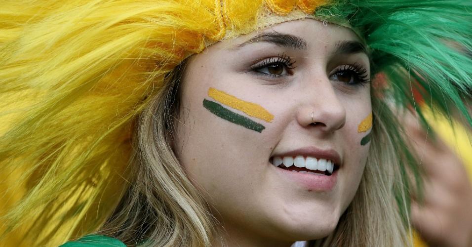 Bela torcedora do Brasil pintou o rosto para acompanhar a seleção contra a Alemanha, no Mineirão