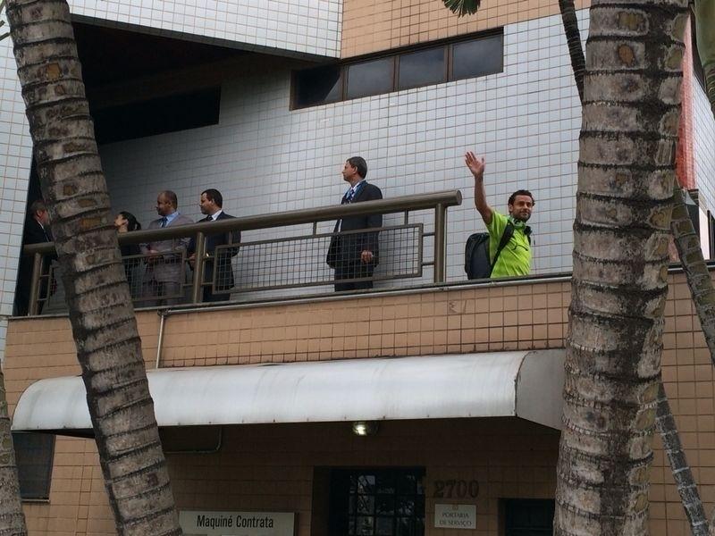 Fred deixa o hotel onde a seleção brasileira estava hospedada para ir ao Mineirão, palco da partida contra a Alemanha