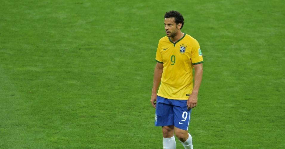 08. jul. 2014 - Já na saída do intervalo, Fred mostrava abatimento no Mineirão. O Brasil perdeu por 7 a 1 para a Alemanha e não brigará pelo título da Copa