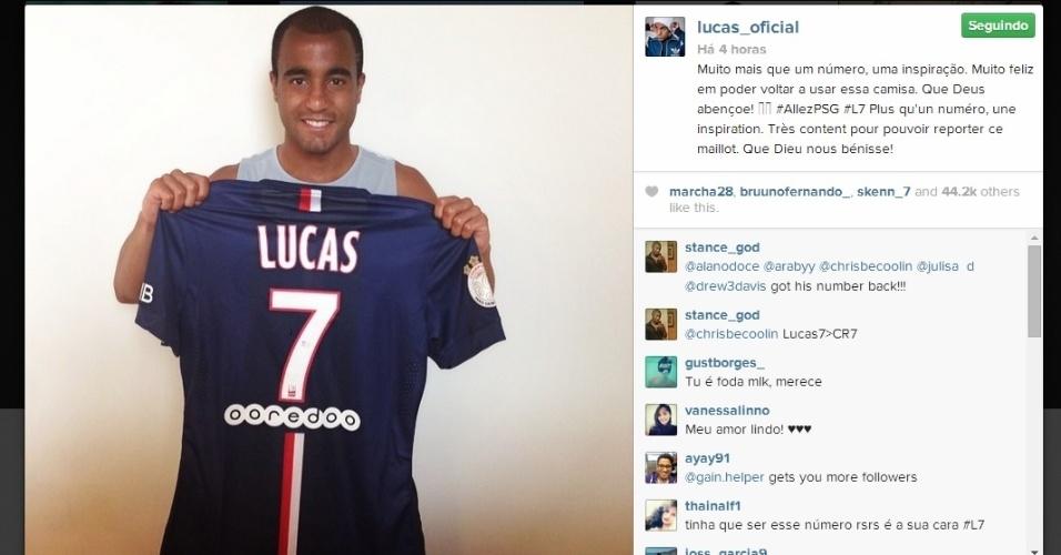 Lucas posa com a camisa 7 do PSG, que era usada por Menéz, agora no Milan