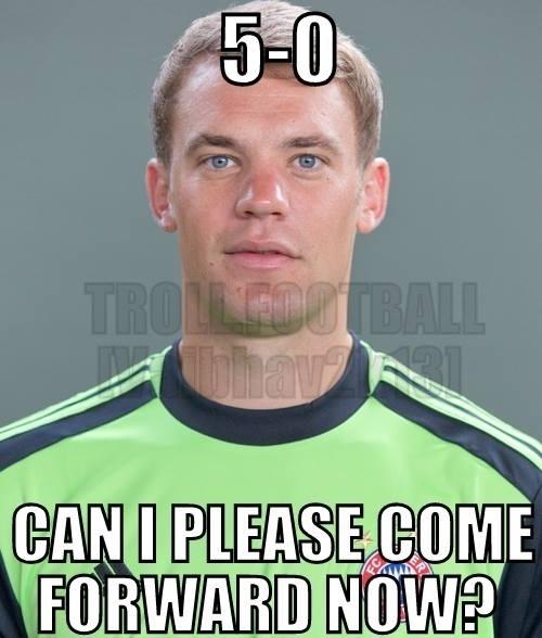 Neuer pede para jogar no ataque depois do quinto gol da Alemanha