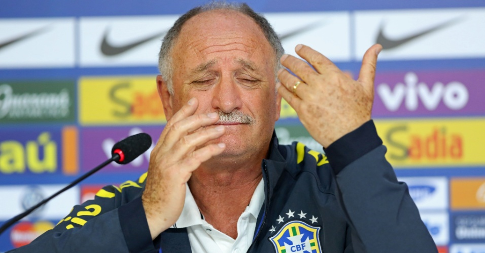 09/07/2014 - Felipão dá entrevista coletiva para explicar os motivos da derrota por 7 a 1 para a Alemanha