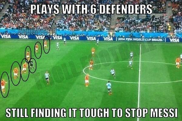 Holanda joga com seis na defesa, e ainda assim é difícil parar Messi