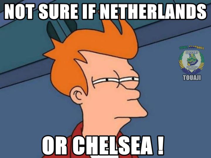 Não se tem certeza se é a Holanda ou o Chelsea em campo contra a Argentina