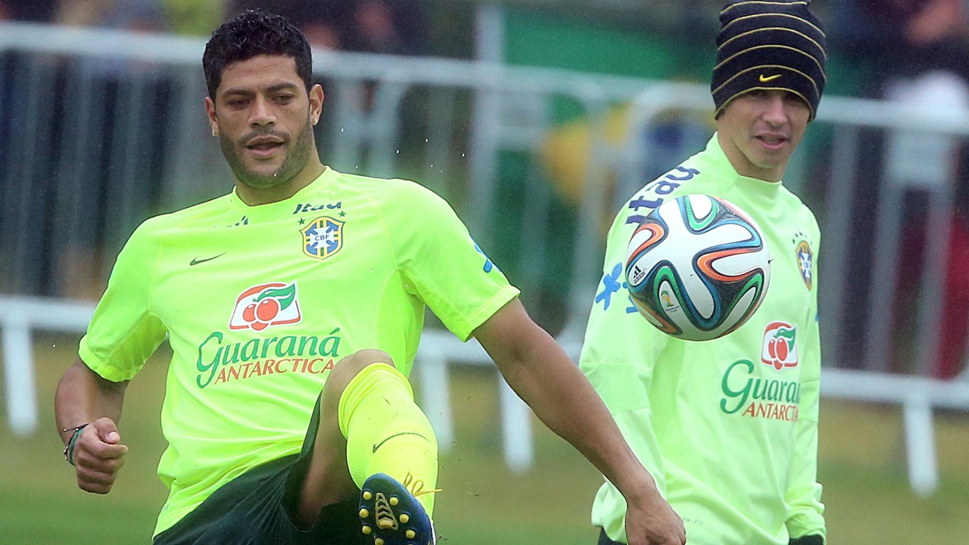 11. jul. 2014 - Jogadores da seleção brasileira treinam na Granja Comary