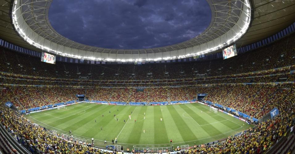12.jul.2014 - A torcida lotou o estádio Mané Garrincha e viu a Holanda vencer o Brasil por 3 a 0 na disputa pelo terceiro lugar da Copa