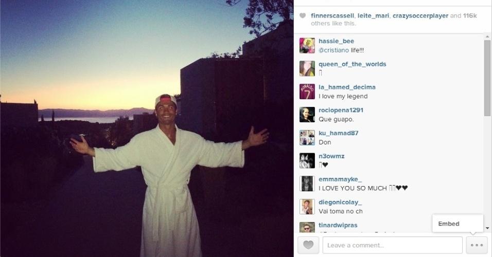 Cristiano Ronaldo curte um spa em suas férias