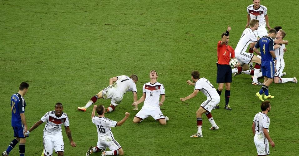 Apito do árbitro ao final da prorrogação deu início à comemoração alemã no Maracanã