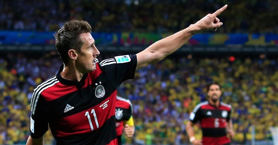 Belo Horizonte - Miroslav Klose comemora o gol marcado em cima do Brasil que o colocou como o maior artilheiro da história das Copas, com 16 gols