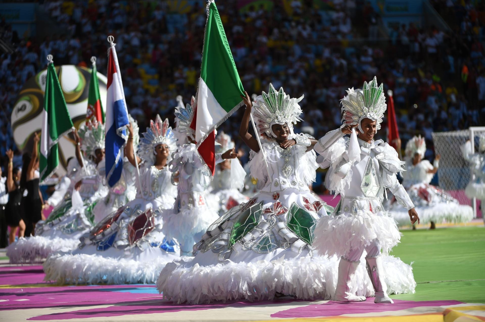 Cerimônia de encerramento da Copa do Mundo começa no Maracanã antes da partida final entre Alemanha e Argentina