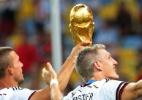 Podolski critica postura de Mourinho com Schweinsteiger: