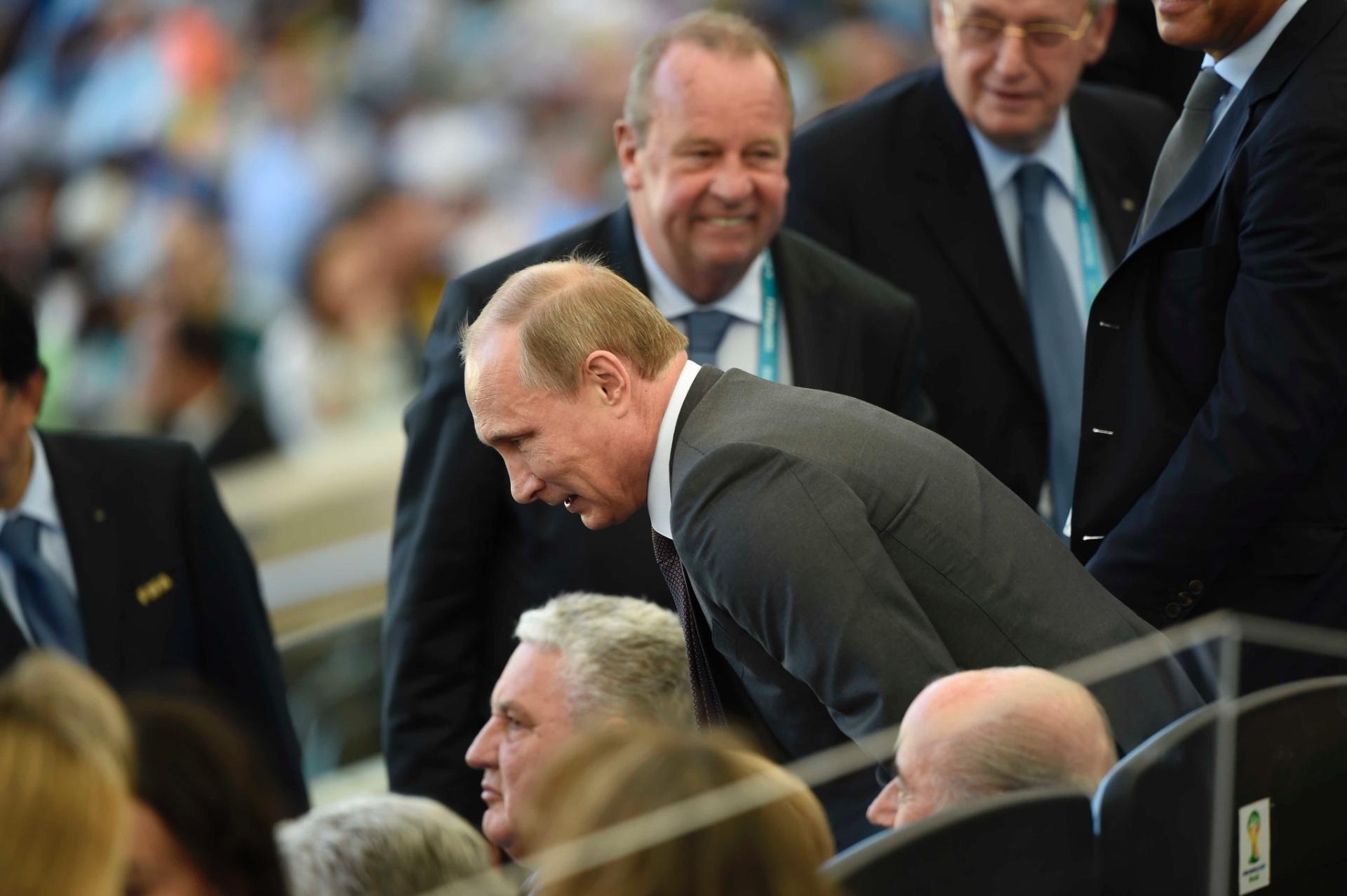 Presidente russo Vladimir Putin marca presença no Maracanã para a final da Copa