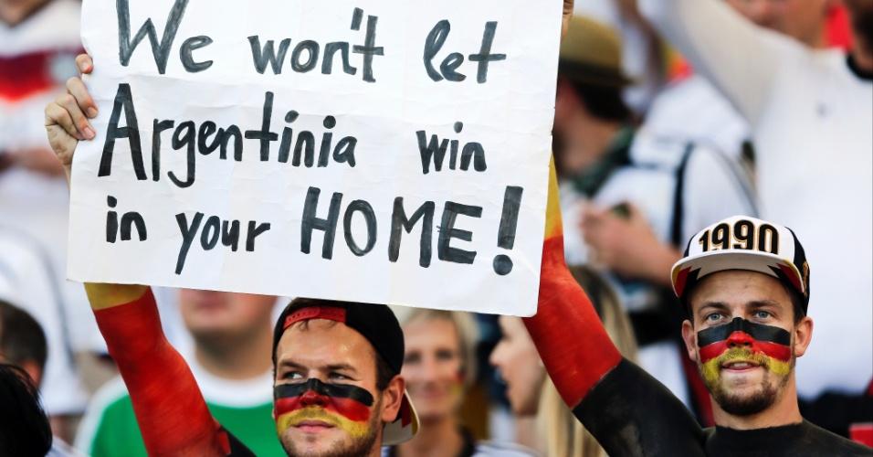 Torcedores alemães pedem apoio dos brasileiros no Maracanã: